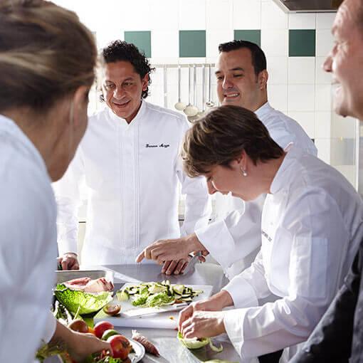 Bragard v tements professionnels pour l 39 h tellerie et - Vetement de cuisine bragard ...